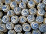mini alfajores decorados en azul