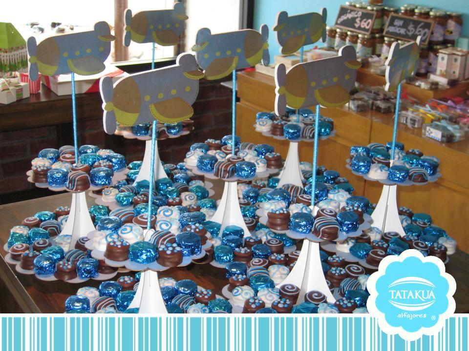 Baby shower tataku alfajores - Como hacer centros de mesa con dulces para bautizo ...