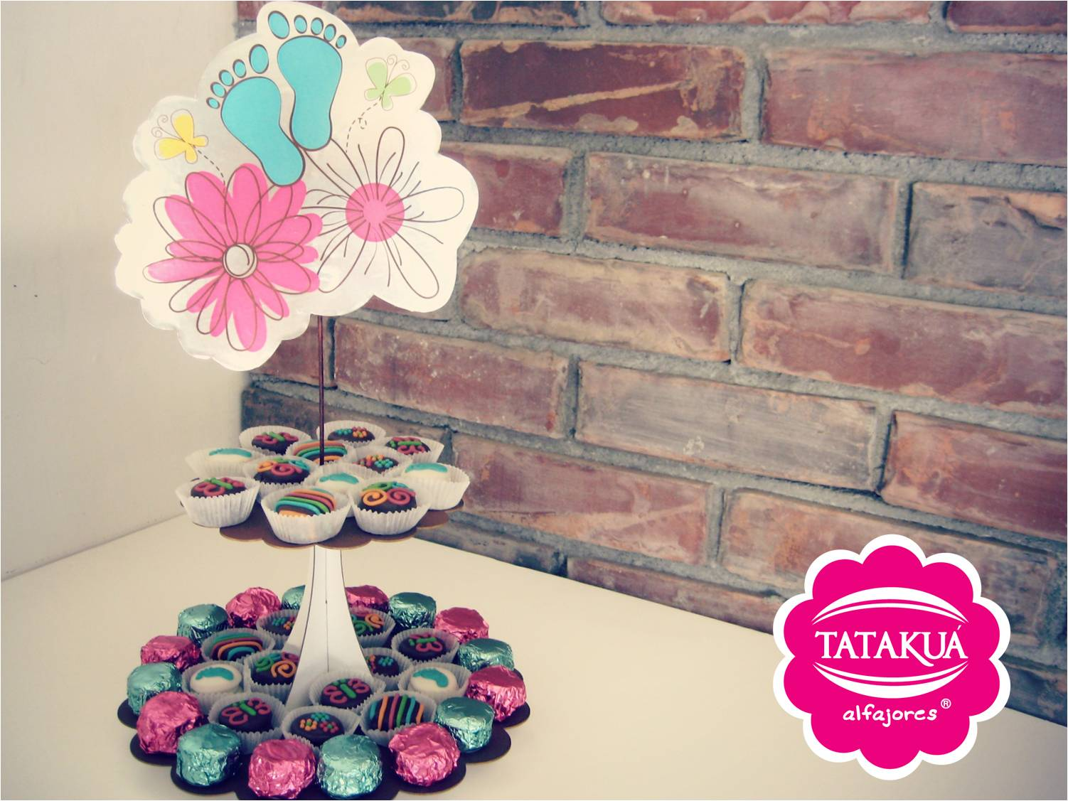 Centros de mesa party centerpiece tataku alfajores for Centro de mesa baby shower